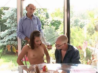 FLASH !!! Stud gets money for nailing a cuckolding golddigger in the country house