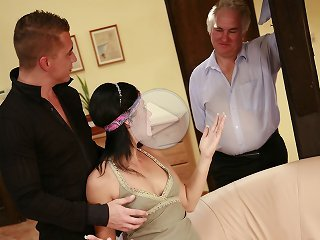 FLASH !!! Young cute wife cuckolds her sugar daddy husband on her birthday with neighbor